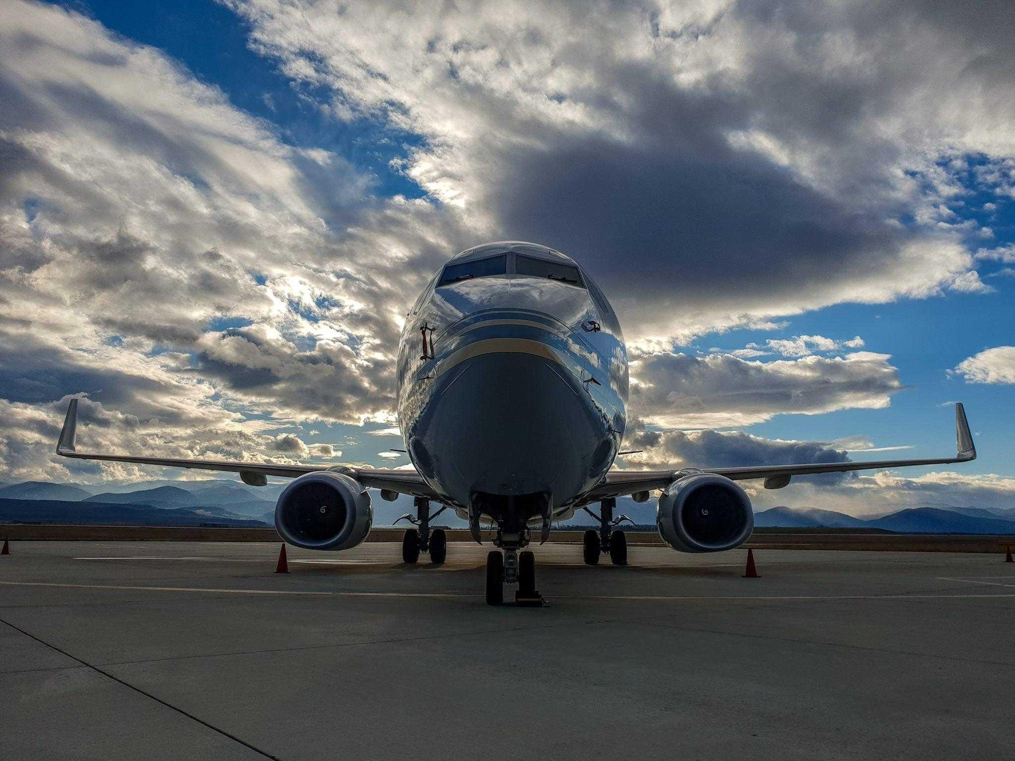 avion-aeroportul-sibiu.jpg