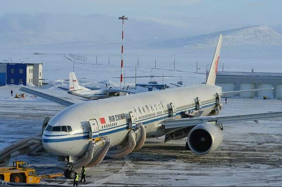 b777-300er-air-china-aterizare-urgenta-siberia-1
