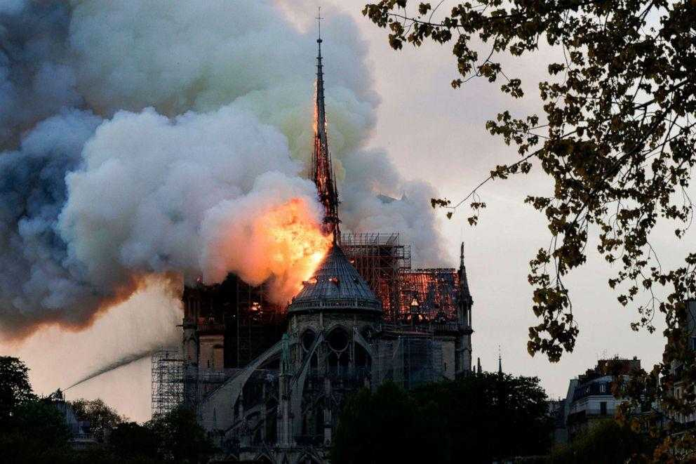 cathedral, Notre-Dame-paris-in-flames-2