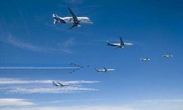 6-самолет-аэробус-ленточно-Патруль де Франс Airbus 50-летний 1
