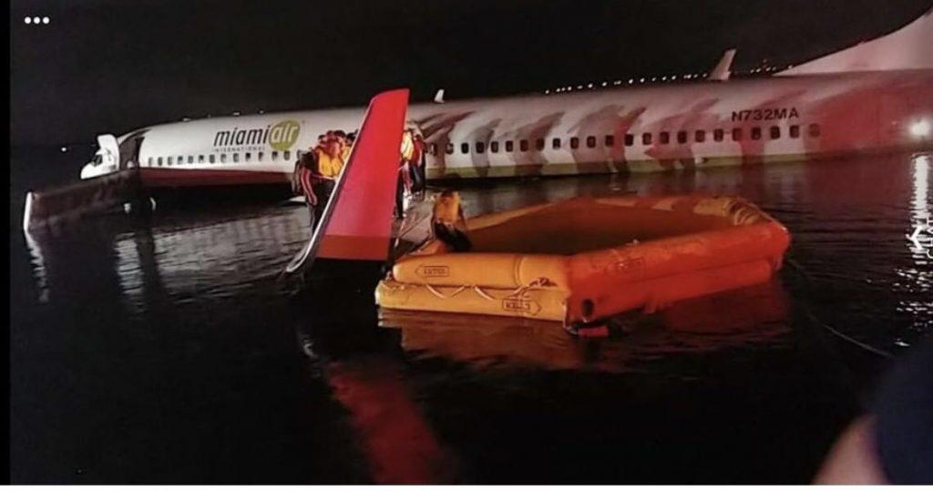 Boeing 737-miami-aria evacuata