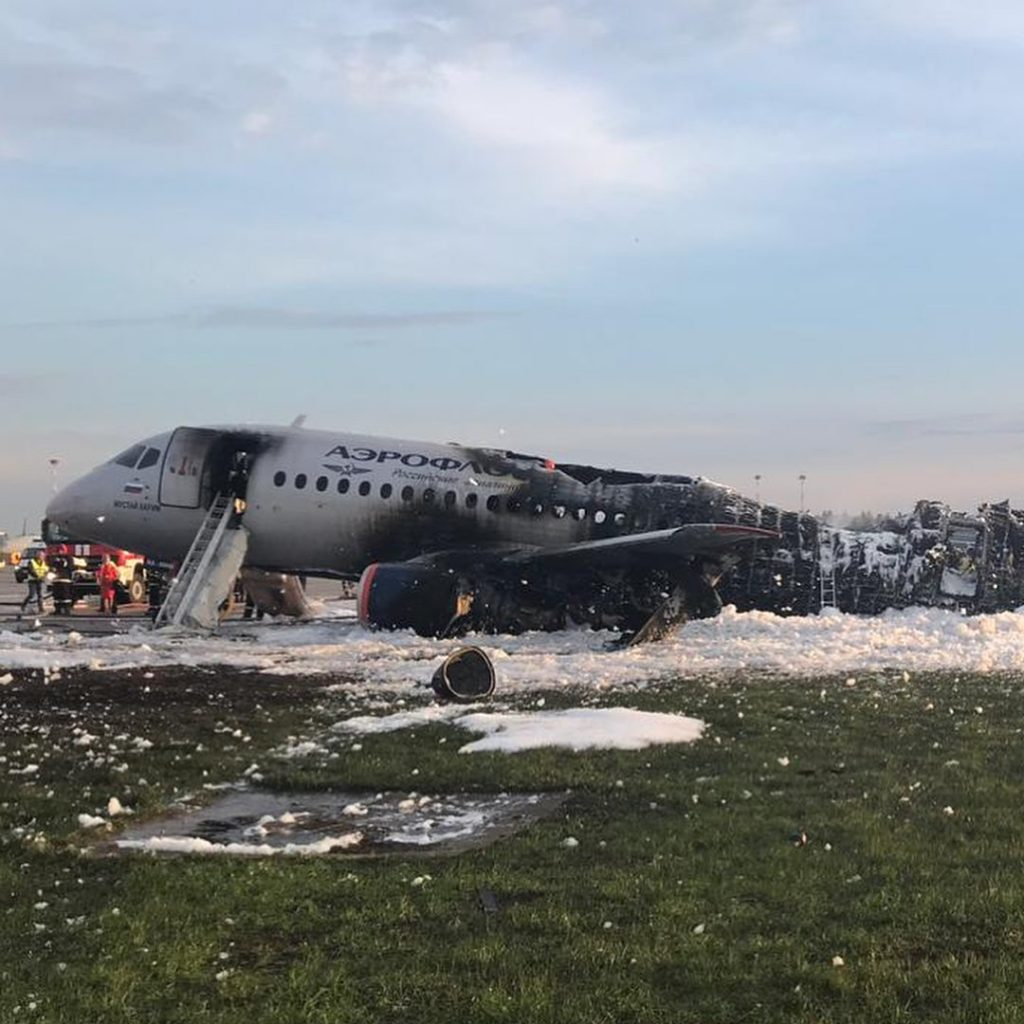 Sukhoi-SuperJet-Aeroflot-burned
