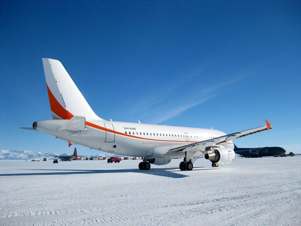 Airbus ACJ319-antartica di McMurdo--ghiaccio-pista-Skytraders