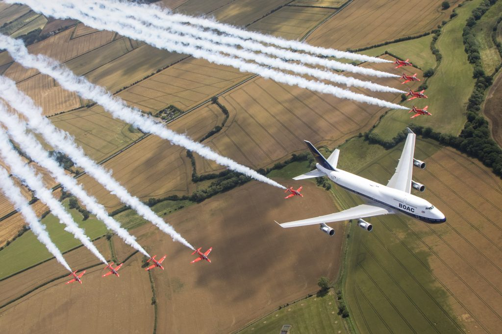 Boeing 747-britânico-Airways-Red-Arrows