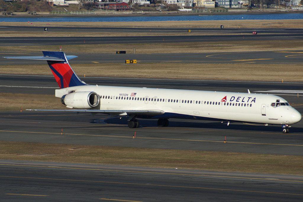 MD-90-Delta-Air-Lines