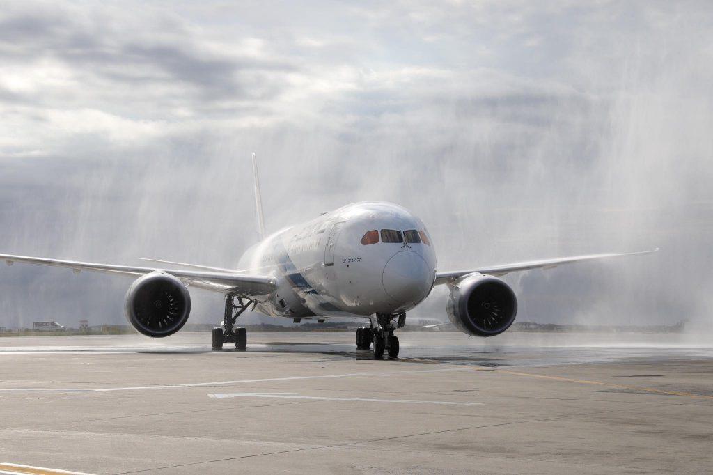 Boeing 787-el the Bucharest-1