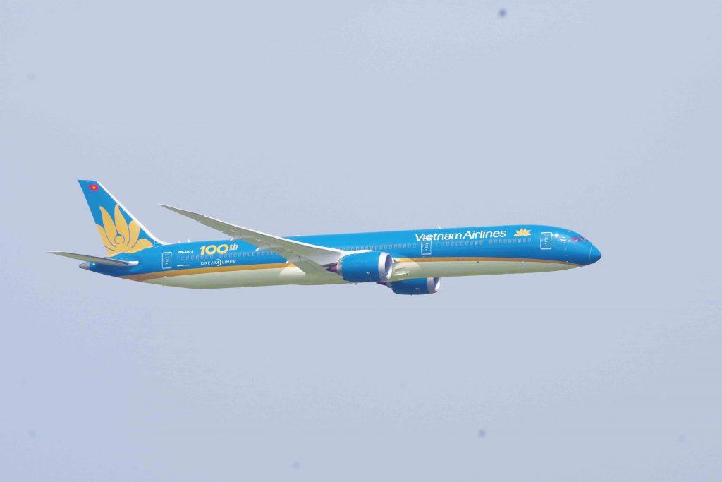 Boeing-787 10-vietnam-avión-en vuelo