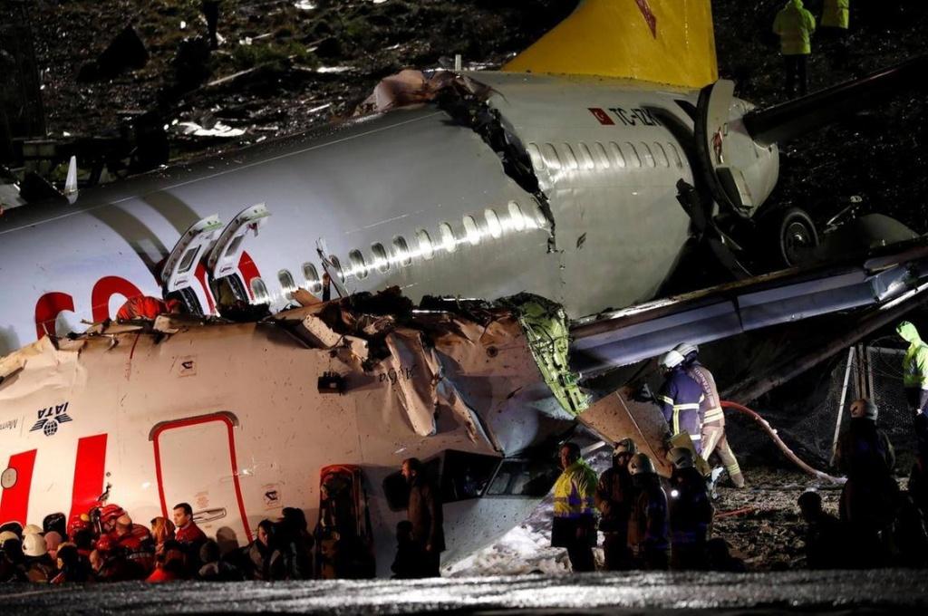 accident aviatic istanbul boeing 737-800 pegasus