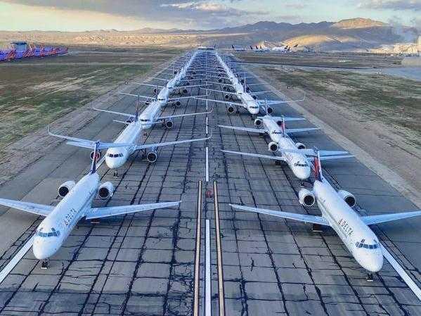 Leere Flugzeuge