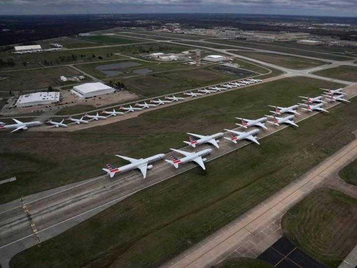 geparkte Flugzeuge