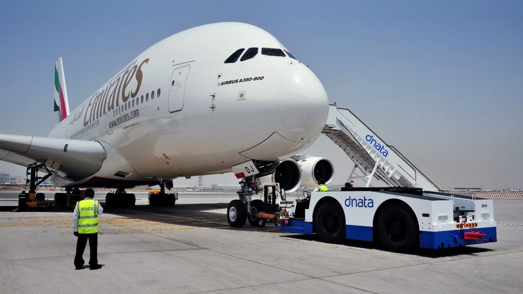 emirates suspenda toate zborurile
