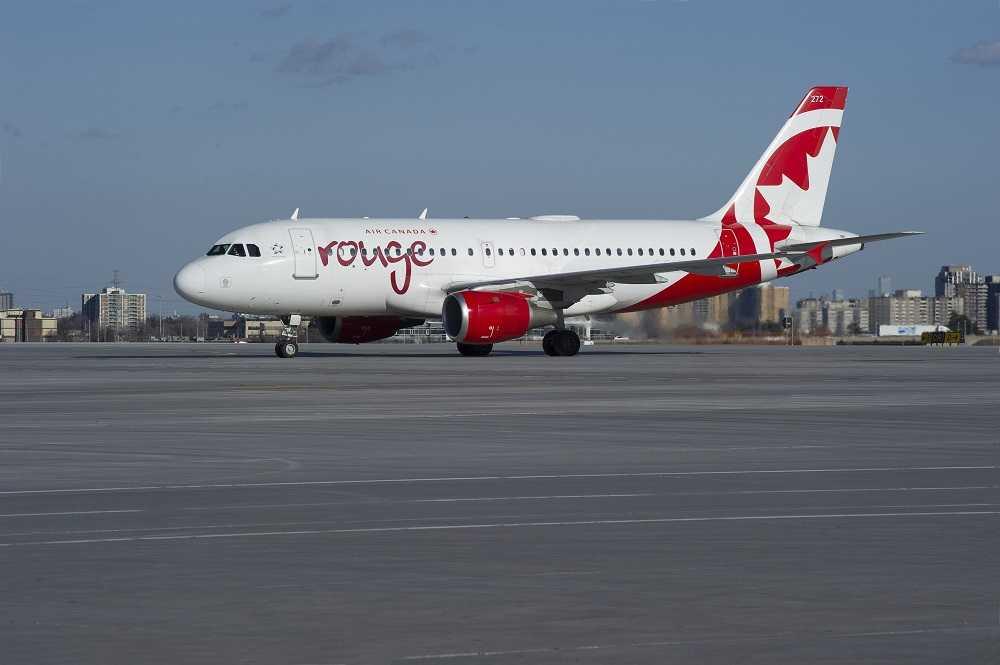 Airbus A319 Air Canada Red